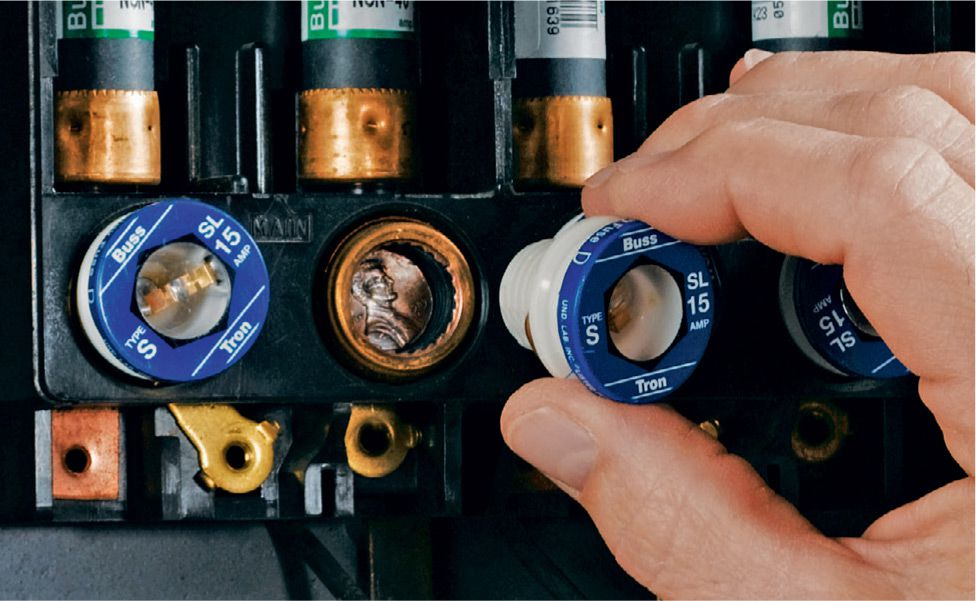 common mistakes the complete guide to wiring black decker a penny or a knockout behind a fuse effectively bypasses the fuse preventing an overloaded circuit from blowing the fuse